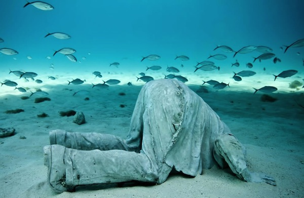 Banker-sculpture-by-Jason-deCaires-Taylor-part-of-the-MUSA-collection-installed-at-a-depth-of-six-meters.jpg