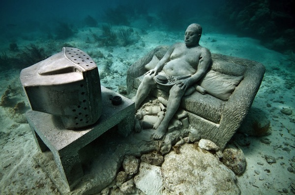 Inertia-an-underwater-couch-potato-in-Mexico.jpg