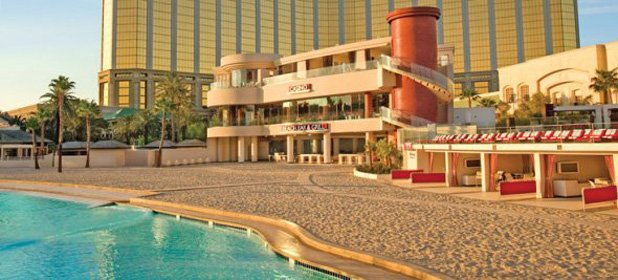 fantasy-who-wouldnt-want-to-spend-a-week-at-the-mandalay-bay-las-vegas.jpg