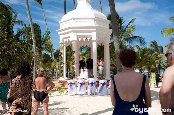 reality-a-classy-intimate-beach-wedding-for-everybody.jpg