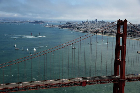 the-teams-race-away-from-the-golden-state-bridge-during-race-6.jpg